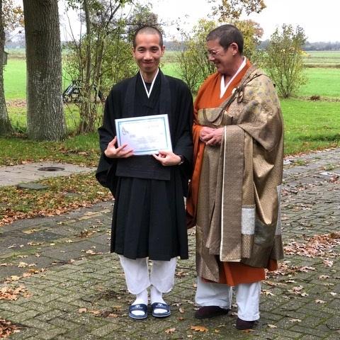 Jiun roshi met Jerry Nguyen, na zijn precept-ceremonie